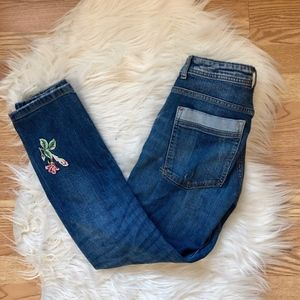 Zara Distressed Floral Embroidered Jeans 00
